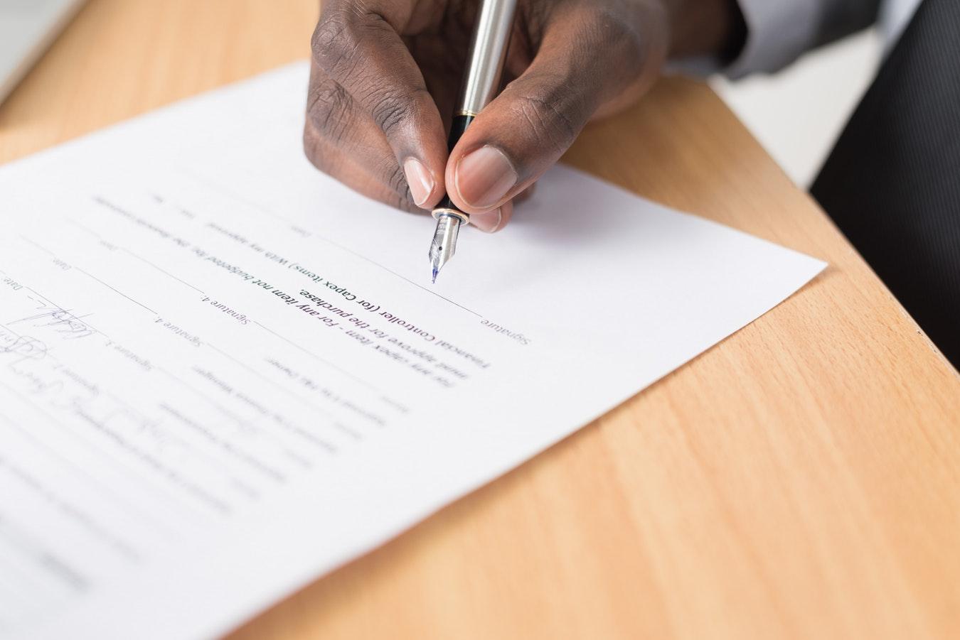 relator signing qui tam attorney fee contract